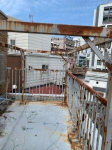 雨漏りによる屋上防水・鉄部塗装工事 リウォール大阪市画像